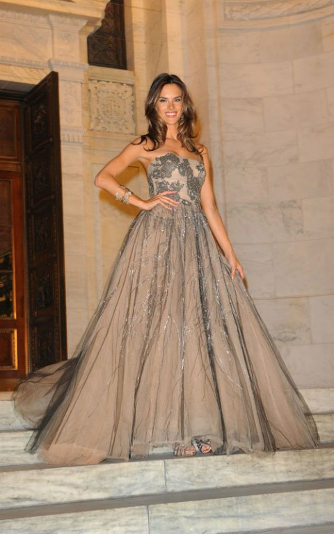 alessandra ambrosio, beautiful, dress, girl, glamorous, gorgeous, long dress, model, pretty, smile
