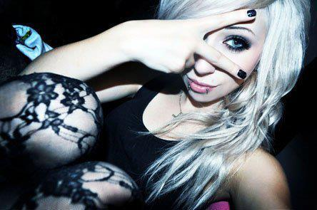 alternative, blonde, blue eyes, cute, girl, hot, scene, pretty, indie, leggings, emo