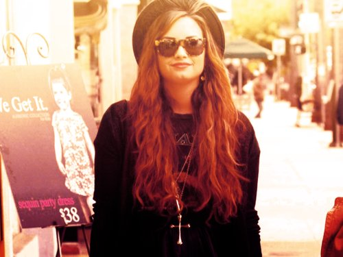 amazayn, beautiful, demi, demi lovato, london, lovato, stay strong, perfect