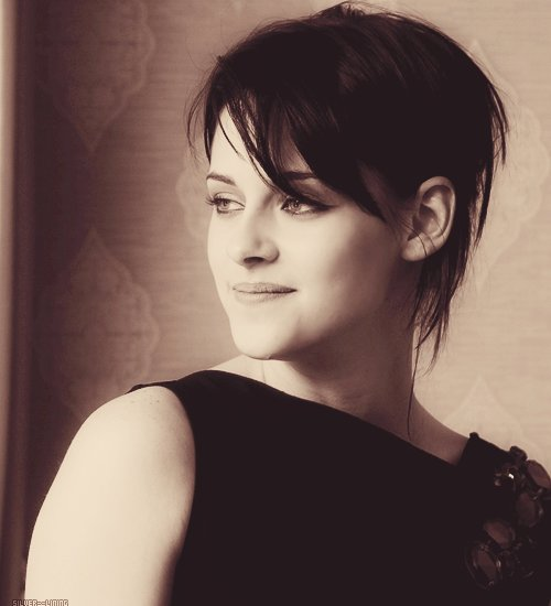 amazing, beauty, black and white, black hair, breaking dawn