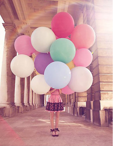 architecture, art, ballons, balloon, balloons, baloons, big ballons, bright, building, colors, cute, dress, elegant, fashion, girl, light, photography, summer, First Set on Favim.com