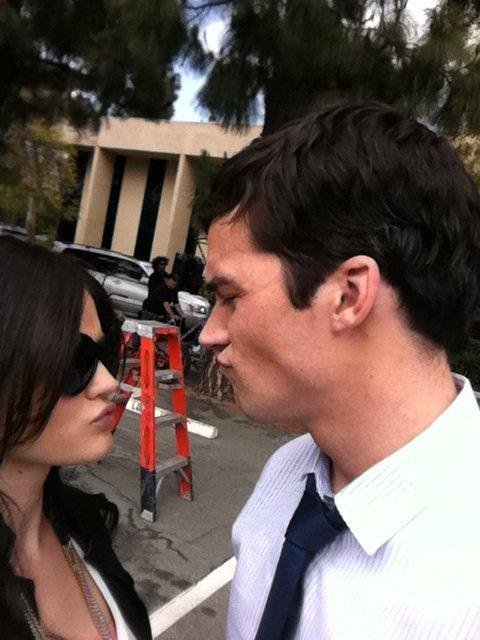 aria montgomery, backstage, couple, cute, ezra fitz