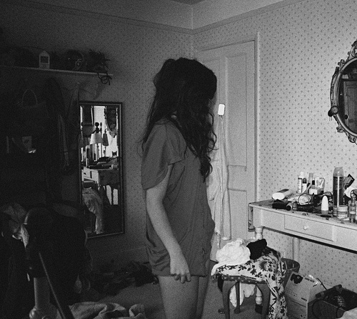 b & w, bedroom, black, black and white, door, girl, hair, mess, mirror, photo, photograph, photography, picture, room, shirt