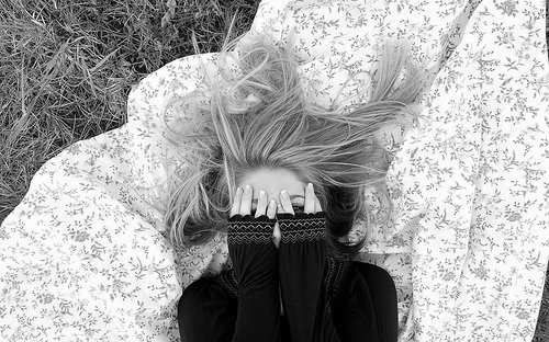 b & w, blonde, garden, girl, gras