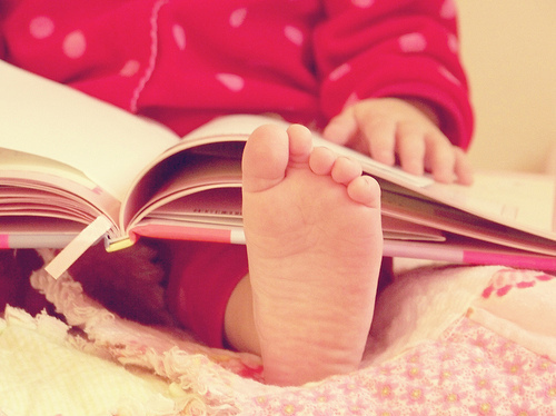baby, feet, nook, photography, pijama, red, vintage