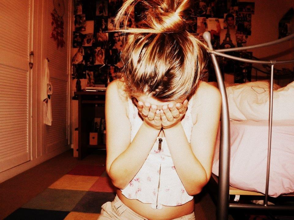 beautiful, bed, blonde, bun, cute
