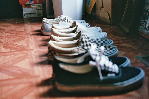 beautiful, black and white, convers, hipster, indie, love, shoes, sneakers, vans, vans off the wall, vintage