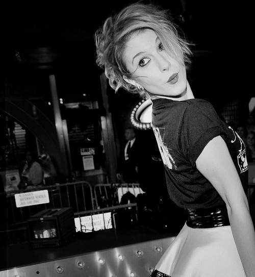 black and white, famous, girl, hayley williams, paramore