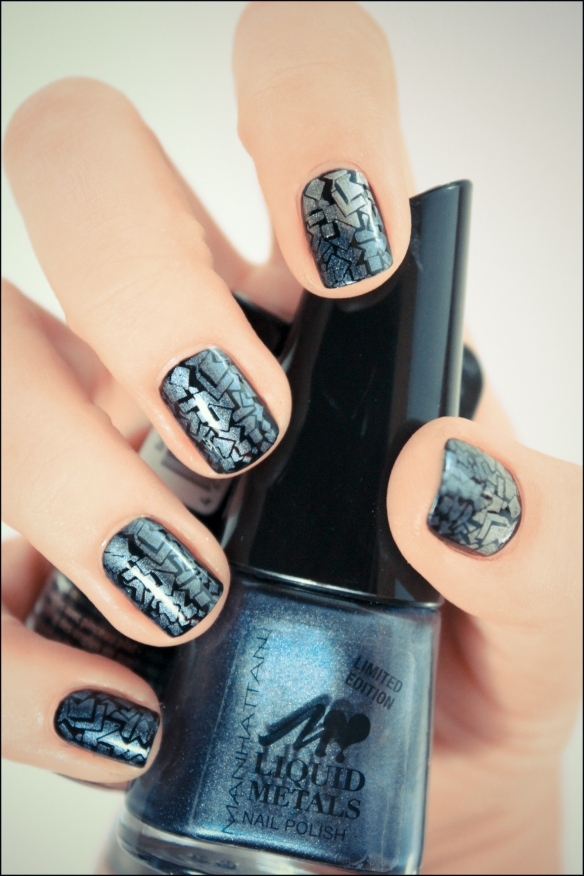 black, full nail design, gradient, konad, m73