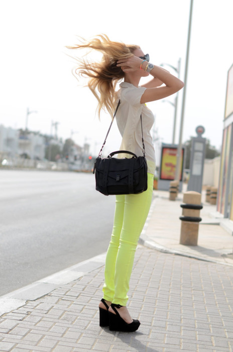 blogger, blonde salad, chiara, fashion, jeans, neon, outfit, yellow