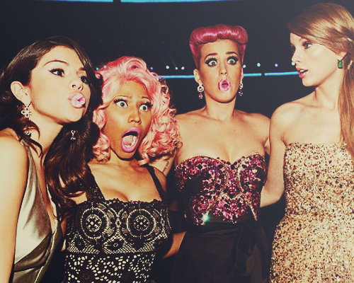 bubble, cute, girl, girls, gum, katy perry, lol, nicki minaj, pretty, selena gomez, taylor swift