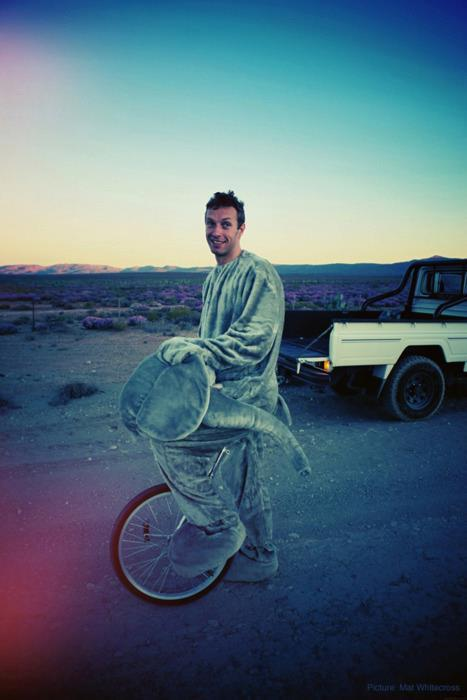 chris martin, coldplay, elephant