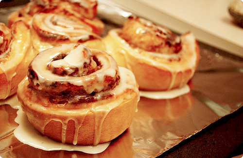 cinnamon rolls, dessert, food