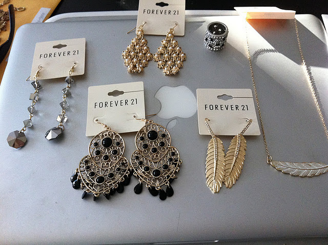 Original size of image 337573 for Forever 21 jewelry earrings