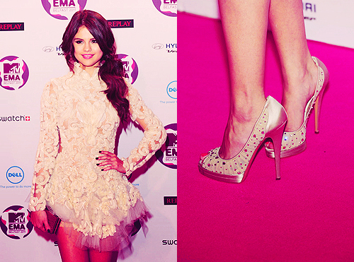 fashion, girl, heels, jelena, justin bieber