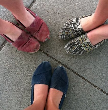 friends, shoes, summer, toms