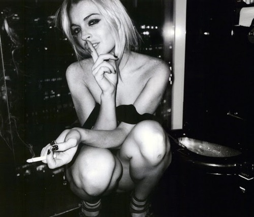 acrtess, b&w, black and white, blonde, cigarette
