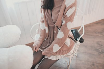 adorable, asian, bag, brown, fashion, girl, girly, heart, kfashion, korean, lovely, oversized, photography, skirt, sweet, thights, uhljjang, ulzzang, winter