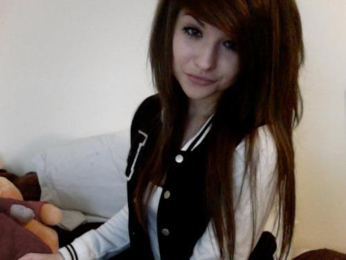 alternative, brunette, girl, gorgeous, hair, hair style, pretty, scene hair, smile