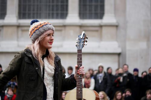 amazing, artist, cap, ellie goulding, gorgeous, guitare, hair, hair style, model, perfect, photography, pretty, singer, smile