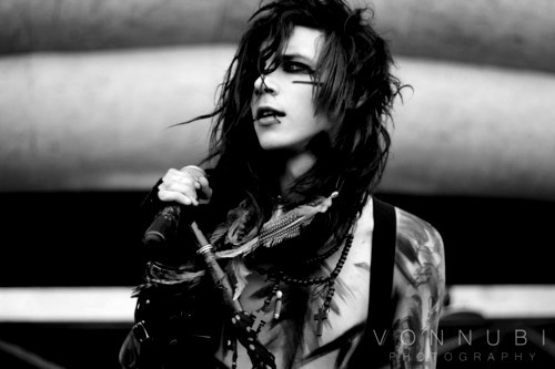 andy sixx, beautiful, black and white, black veil brides