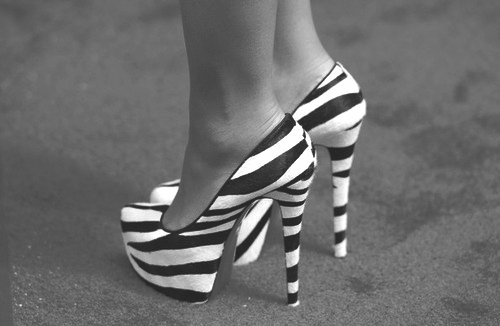 animal print, b&w, black and white, fashion, heel