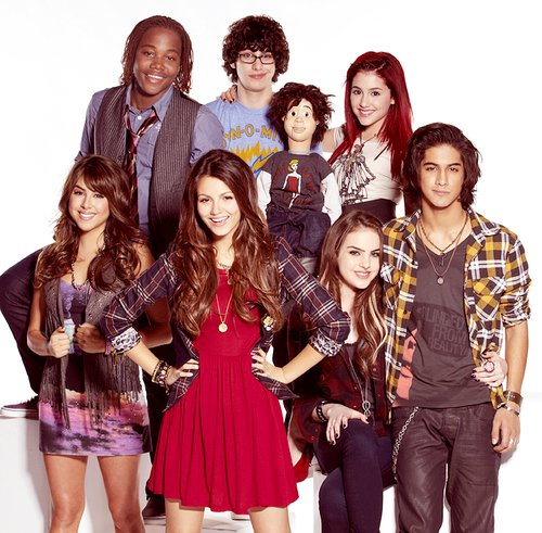 ariana grande, avan jogia, beck, black and white, boy, fruit, girl, matt bennet, photo, photography, robbie, victoria justice, victorious, vintage