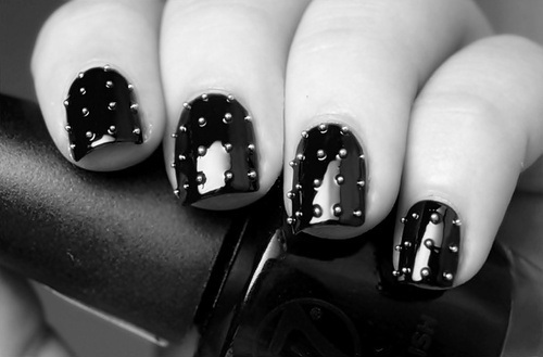awsome, black and white, cool, fingers, nail art, nail polish, nail varnish, nails, pretty, studs
