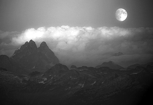 b&w, black & white, black and white, cloud, clouds, cute, landscape, moon, nature, photography, place