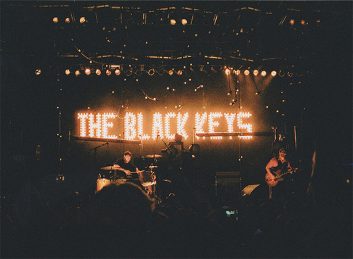 band, film, film grain, indie, the black keys