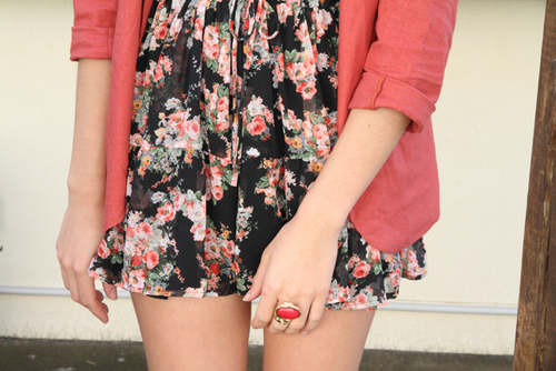 beautiful, black, blu, cute, dress, fashion, fingers, floral, flowered dress, flowers, girl, green, heand, jacket, legs, nails, nice, outfit, pink, pretty, ring, vintage