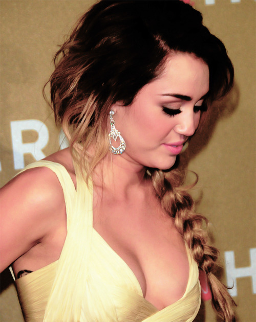 beautiful, fashion, flawless, girl, miley cyrus, pretty, smile, stunning, ugly
