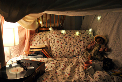 bed, bedroom, books, cozy, cute, hipster, indie, kids, little girl, little kid, love this, miss this, rip, room, teddy, vintage, wish
