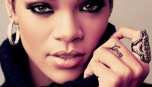 celebrity, jewelry, makeup, phtography, pretty, rihannna, swag, tattoo, tyle