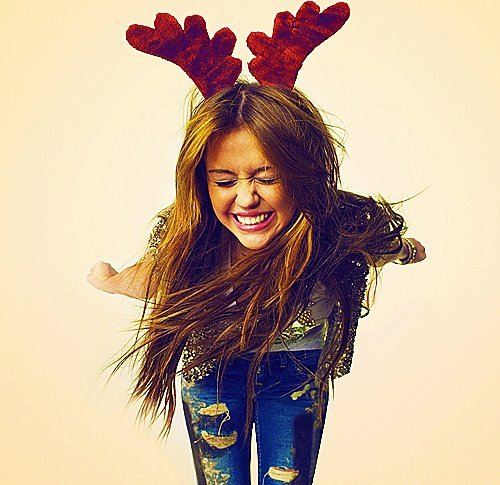 christmas, girl, jeans, miley cyrus, reindeer