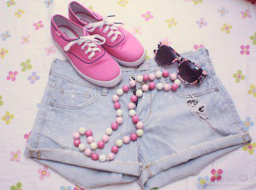 clothes, girls , jewelery, pink, shoes - image #344306 on Favim.com