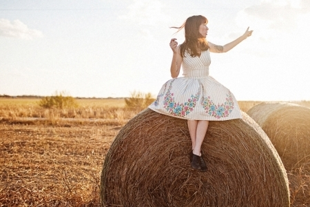 country, fashion, girl, hay