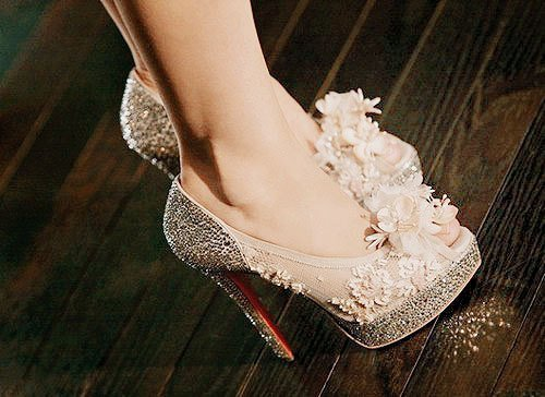 cream, fashion, girl, girly, glitters, heels, louboutin, shoes