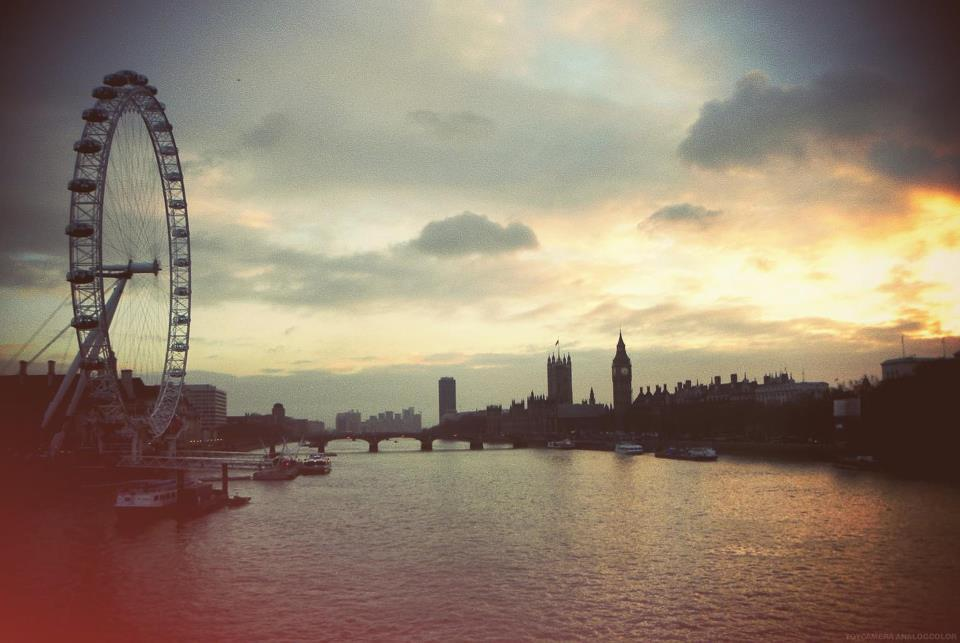 ferris wheel, london, river, tower