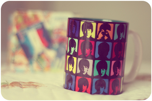 aseriesofserendipity, bokeh, by melina de souza, by melina souza, caneca, cute, foto, honey pie, honeypie, melina de souza, melina souza, melinwonderland, mug, the beatles