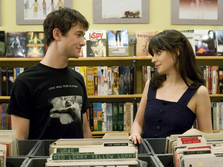 500 days of summer, couple, joseph gordon levitt, records, zooey deschanel