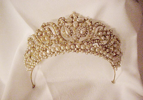 amazing, beautiful, charming, crown, gold, jewelry, pearls, royalty, vintage