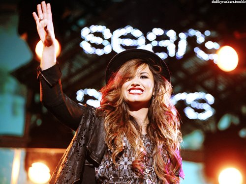 amazing, beautiful girl, beauty, demi lovato, idol, pretty, red lipstick