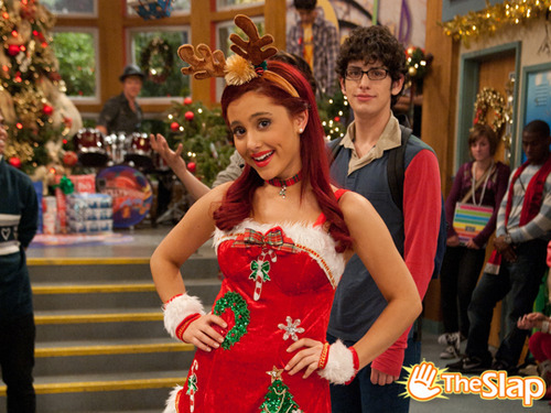ariana grande, cat valantine, christmas, green, matt benett, red, robbie, swag, the slap, victorious