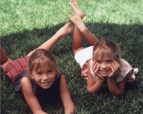 ashley, babies, baby, cute, girls, mary kate, olsen, olsens, sisters, sisters olsen, tweens