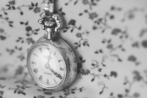 b&w, black & white, black and white, clock, cute, flower, flowers, photography, time, vintage