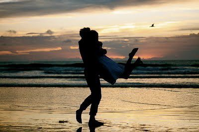 beach, boy, girl, kiss, love, photography, sea, sky, summer, sun, sunset
