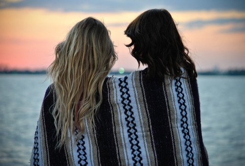 beautiful, blanket, blonde, brunette, cute, fashion, love, ocean, photography, pretty, sunset, two girls