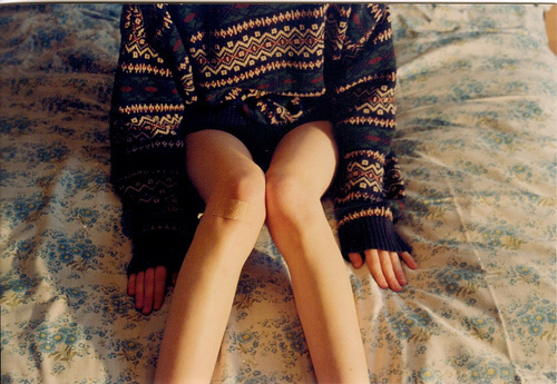 bed, cute, fashion, flowers, girl, jumper, legs, love, pullover, skinny, sweater, thin, thinspo, vintage