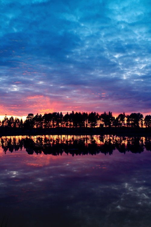 beutiful, clouds, day, lake, land, light, night, reflection, silhouette, sinshine, sky, sun, sunset, trees, water